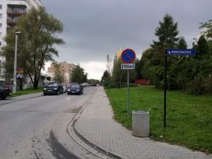 Miejsce ustawienia znaku B-35 + T20 przy ul. Bochenka